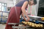 网红老月饼加工厂:隐身村里 卫生堪忧