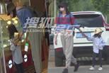 张梓琳逛街女儿长腿抢镜