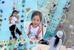 李小璐中秋带女儿玩攀岩