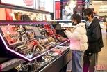 武汉商圈重启 购物中心迎第一批客人