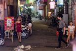 实拍越南夜生活:纸醉灯谜混杂艰难生活