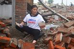 探访砍砖人:一块砖挣1毛月收入上万