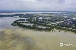 湖北黄冈暴雨频发水位暴涨 绿洲变孤岛