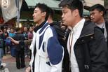 香港闹市撒20万现金的网红被抓