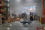 美F-16坠机现场曝光 屋顶被砸出大洞