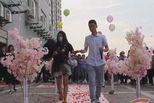 男子当街跪地求婚成功 一瞬间剧情反转