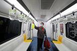 """北京地铁3分15秒""""抢""""时间全车消毒"""
