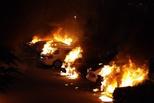 瑞典80辆车被蒙面人一夜点燃 首相暴怒