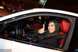 沙特首批女司机上路凌晨狂欢