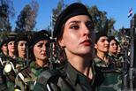 伊拉克库尔德女兵毕业典礼英姿飒爽