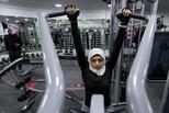 探秘沙特阿拉伯的健身房 女性健身这样穿