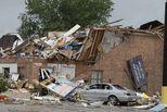 美国俄克拉何马州遭龙卷风袭击2死29伤