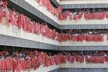 一片红火!马来西亚学校学生挥墨写春联