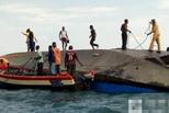 疑超载300人 坦桑尼亚轮船沉没致44死