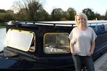 英国女子买不起房 买船装成水上豪宅