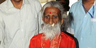 印度瑜伽奇人逝世 自称不吃不喝82年