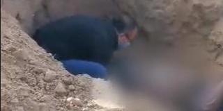 男子将瘫痪老母亲野外活埋 警方已介入