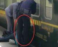女童跌入火车站台夹缝 陌生青年出手相助