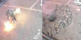 熊孩子井盖上玩烟花 引发燃爆被吓尿