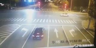 女子醉驾玛莎拉蒂逃逸中出车祸 致2死4伤