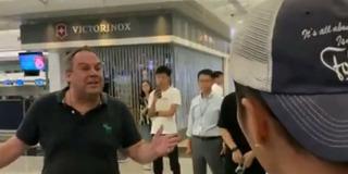 硬核老外教训示威者:香港属于中国