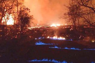 夏威夷火山持续喷发 岩浆涌动蔓延至村庄