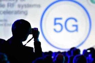 5G突如其来 运营商面临两道