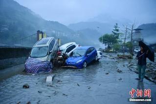 泥石流灾情已致四川阿坝州12人遇难