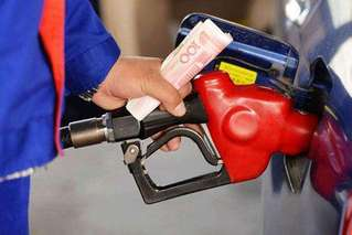油价新一轮上涨:加满一箱油多花5元
