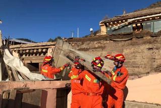 甘肅夏河5.7級地震:百余戶民房受損