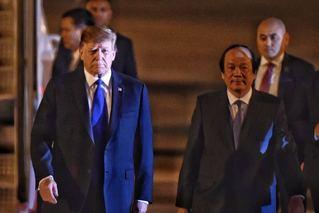 刚刚,特朗普专机抵达越南河内
