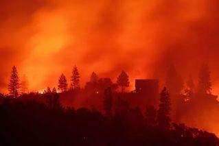 美加州山火已致82死 空气污染
