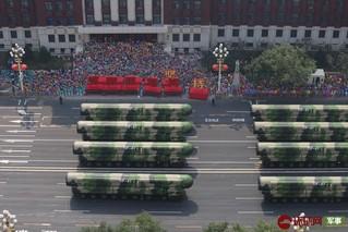 不一样的视角!俯拍国庆阅兵重磅武器