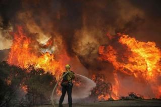 美加如意平台注册登录爆发森林火灾 烧4000英亩土地
