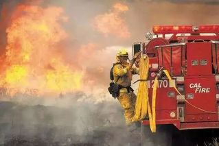 美国加州大火为何难以扑灭?