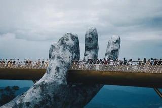 如来神掌从天而降!越南佛手桥突然爆红