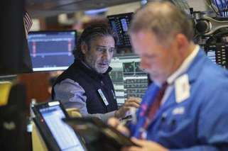 美股再度收跌 道指两日跌逾1300点