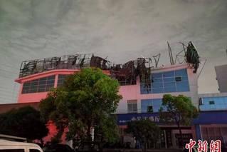 直击苏州龙卷风灾后现场:厂房断壁残垣
