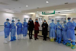 武汉协和医院重症病房4位患者集中出院