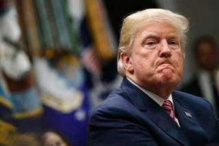 特朗普想用36亿军费建墙,得州法官叫停