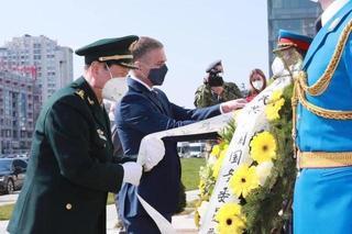 国防部长到驻南联盟使馆旧址凭吊烈士