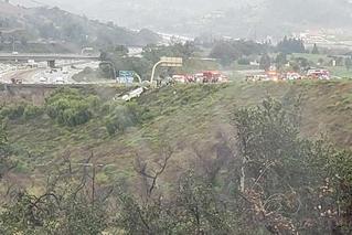 美国南加州一旅游巴士翻车已致3死18伤