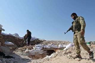 土耳其否认袭击美军 10万民众逃离家园