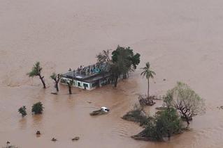 飓风伊代肆虐莫桑比克 或致千人死亡