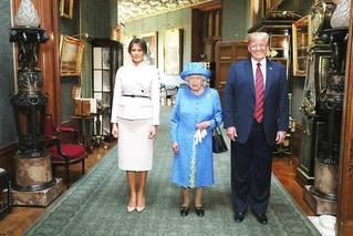 特朗普与英女王会晤 曾称女王了不起
