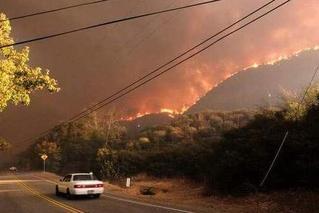 加州山火已致81人遇难 700人下落不明