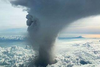 菲律宾火山大规模喷发,马尼拉机场停飞