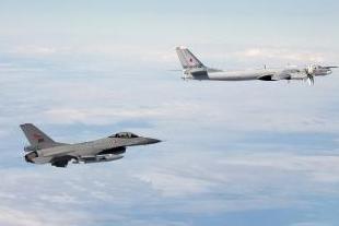 俄媒:北约战机试图接近俄国防部长飞机