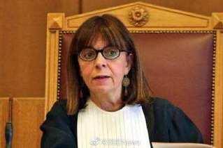 希腊迎首位女性总统