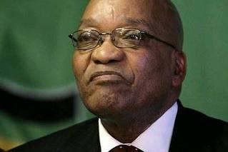 南非前总统祖马就贪腐指控出庭受审